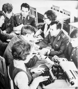 Редколлегия газеты «Ленинец» в работе над выпуском, 1967 г.